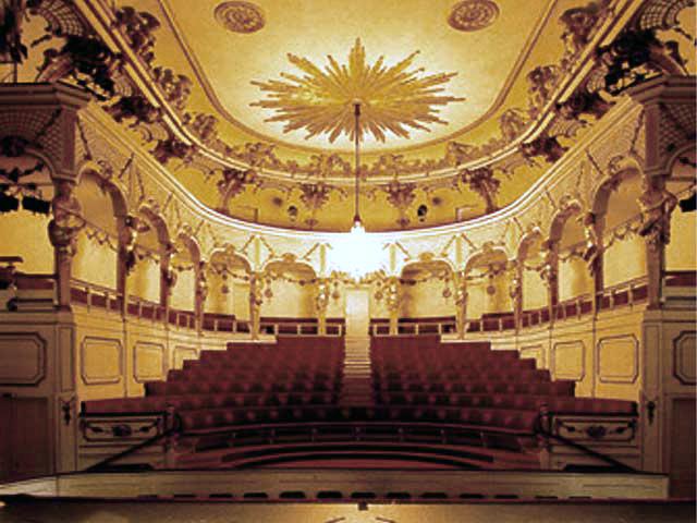 Theater_New_Palace_Potsdam_(Neues_Palais)