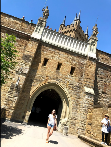 The front gate of the castle
