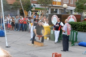 basque sports: anvil throwing